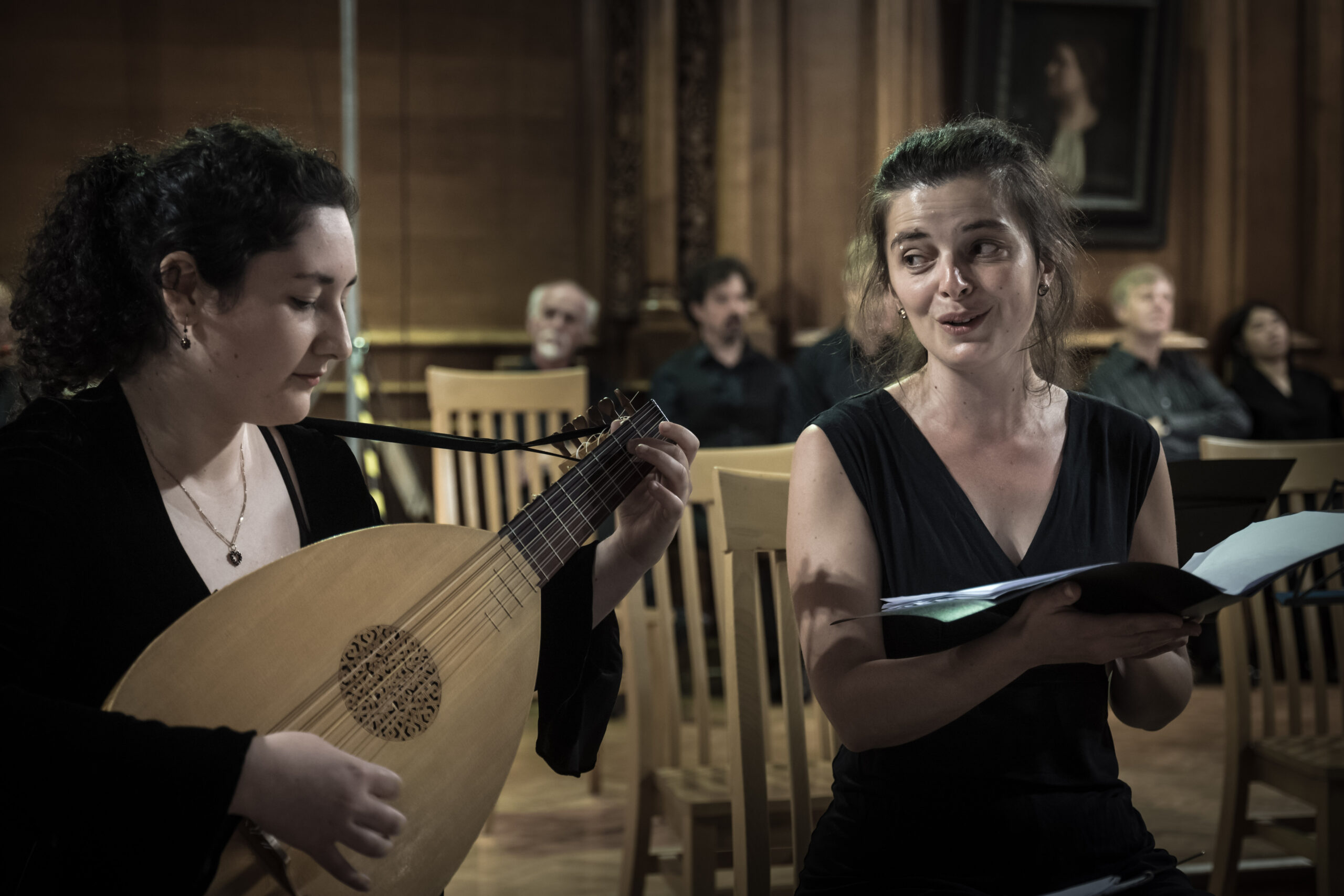 Lute and singer at Renaissance Summer School in Cambridge